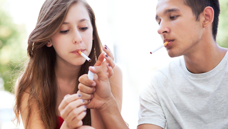 társadalom küzd a dohányzás ellen)