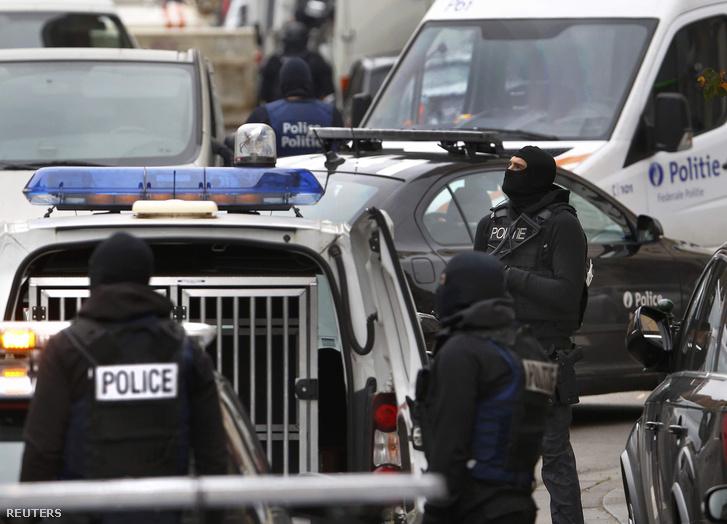 Rendőri razzia Brüsszel Molenbeek kerületében 2015. november 16-án