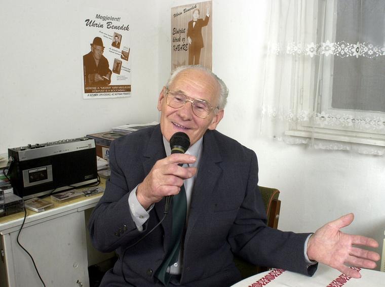 Uhrin BenedekA korai Sziget-fesztiválok egyik legnagyobb sztárja már akkor sem volt fiatal, amikor hirtelen menők lettek a számai