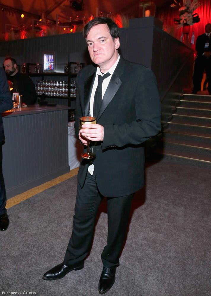 Quentin Tarantino nem szereti, ha lefotózzák ivás közben.