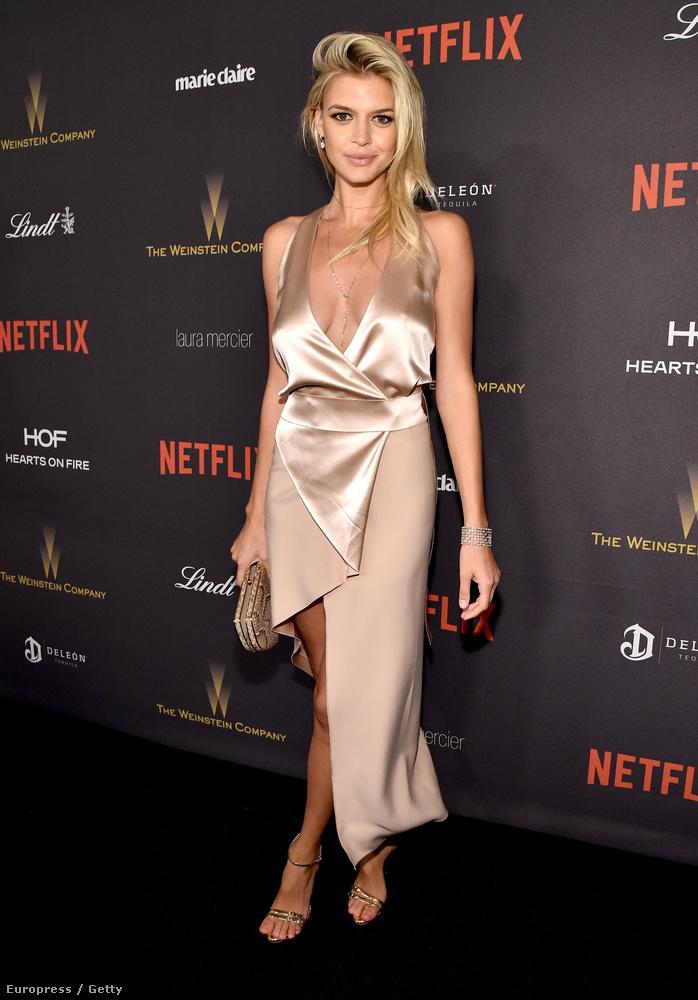 Kelly Rohrbach, Leonardo DiCaprio frissen exbarátnővé vált egykori szemefénye több szempontból is nyomorult estet tudhat maga mögött: a színész most kapott egy díjat, és egy csomó vicces mém született a viselkedéséből - ő meg úgy néz ki, mint akit megtéptek.