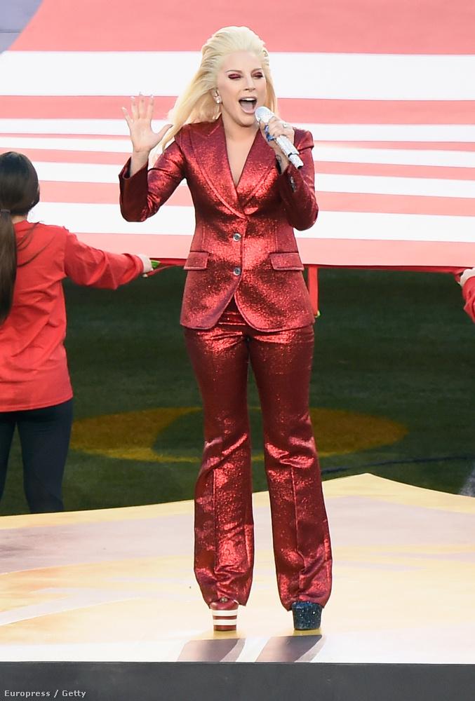 Gaga kapta meg a lehetőséget, hogy az 50