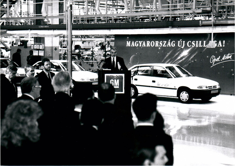 A márka egész Európában nálunk a legnépszerűbb, itt a legnagyobb az Opel piaci részesedése, jelenleg 11,5 százalék
