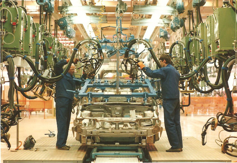 Húsz évvel az első magyarországi Opel projekt bejelentése után az Opel újabb, ezúttal félmilliárd euró értékű beruházást jelentett be, amelynek révén felépült a korszerű Flex motorgyár.
