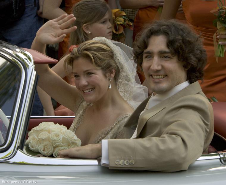 Édesapjához hasonlóan ő is a szórakoztatóiparból választott magának feleséget, 2005