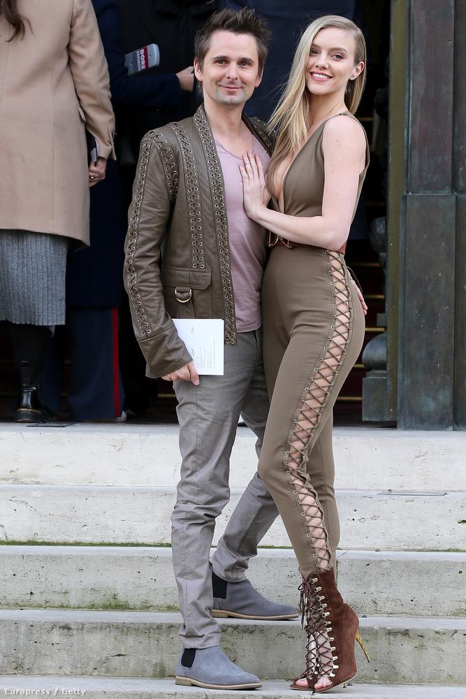 Evans egyébként modell és 26 éves, egy tízessel fiatalabb Kate Hudsonnél