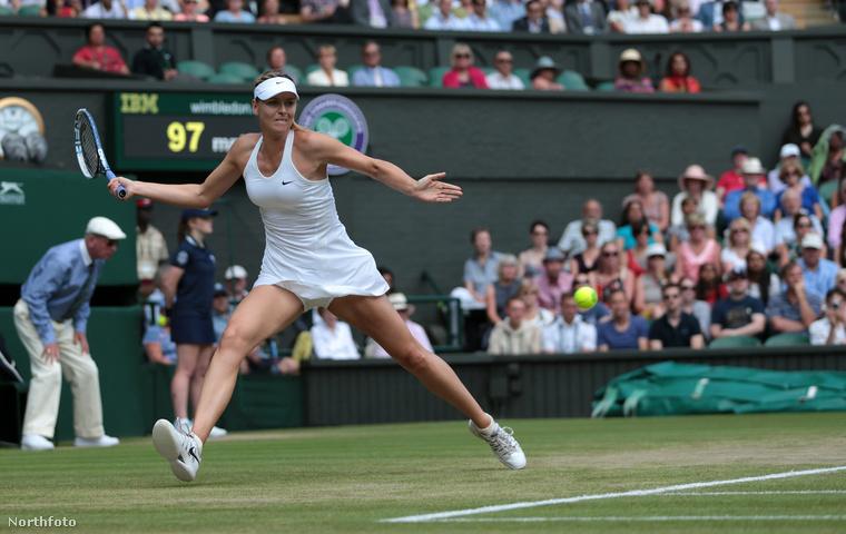 Marija Sarapova először 4 évesen tartott teniszütőt a kezében, 17 évesen pedig megnyerte a wimbledoni teniszbajnokságot.