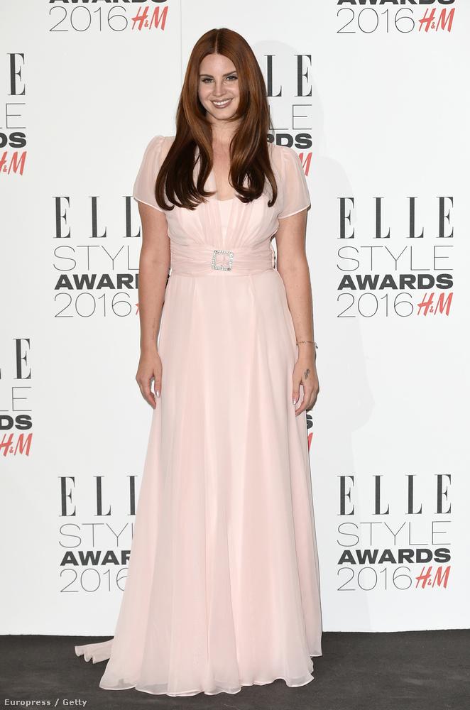 az Elle Style Awardsra is csinosan ment.