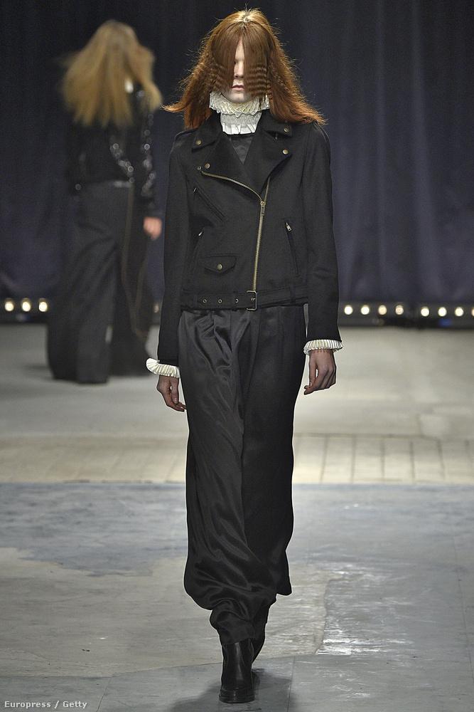 És már megint egy arctalan modell, ezúttal Veronique Branquinho jóvoltából