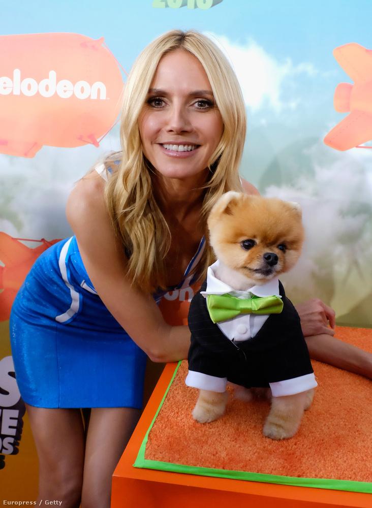Heidi Klum Sarka Kata kutyagyermekére nagyon hasonlító állattal pózolgatott.