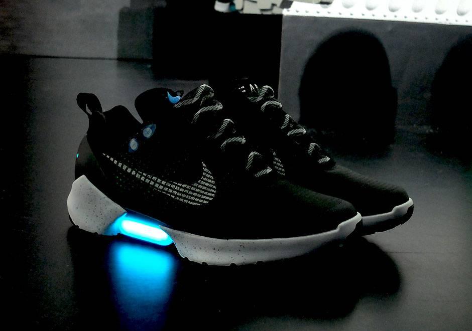 Cipőt A Nike Bemutatta Önbefűző Az Index Tech kuiOPXZ