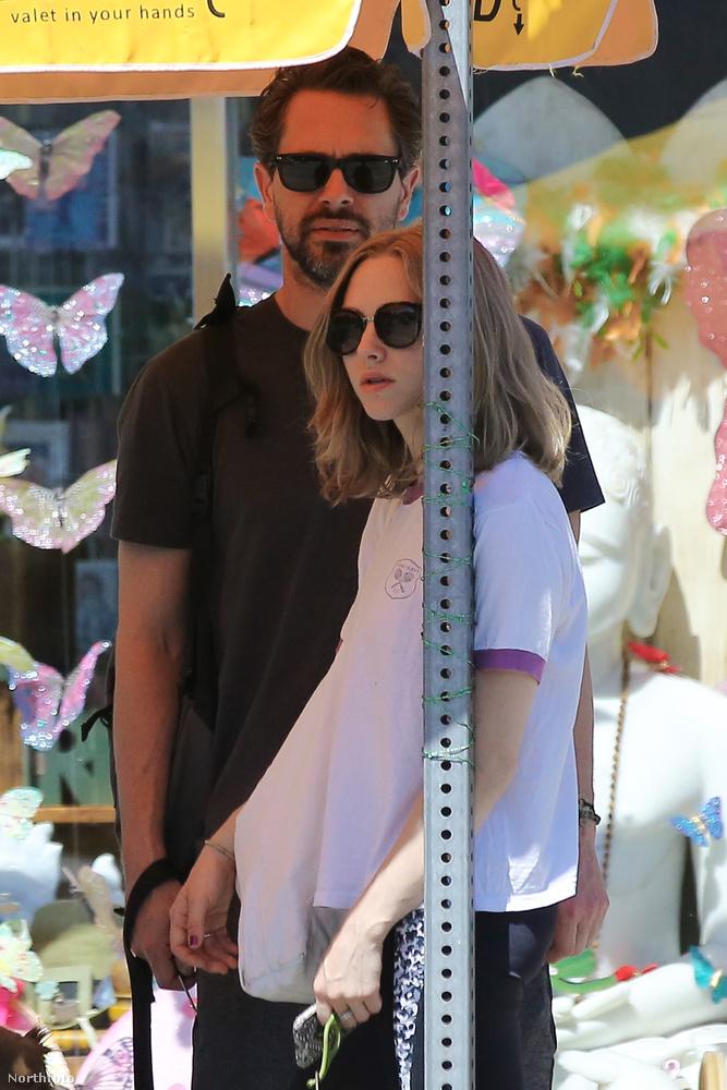 Történt, hogy az éppen a Twin Peakset forgató Amanda Seyfried randizni ment új pasijával, Thomas Sadoskival.