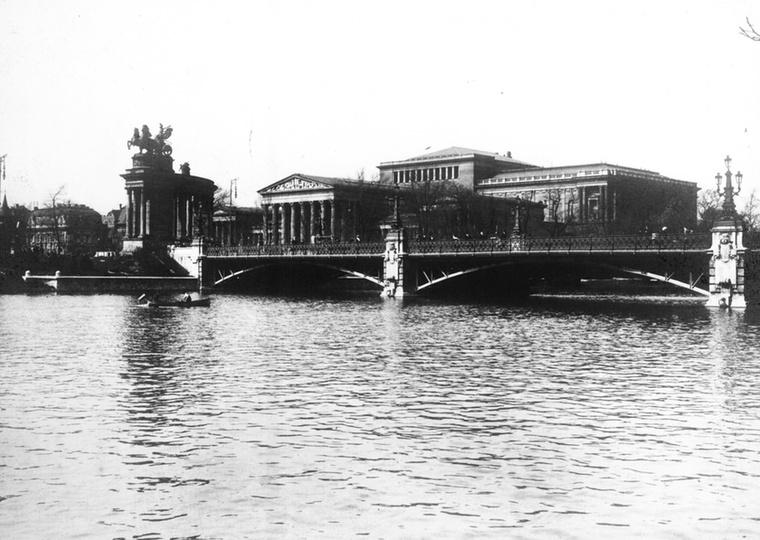 Az első világháború első évében így festett a Szépművészeti Múzeum.