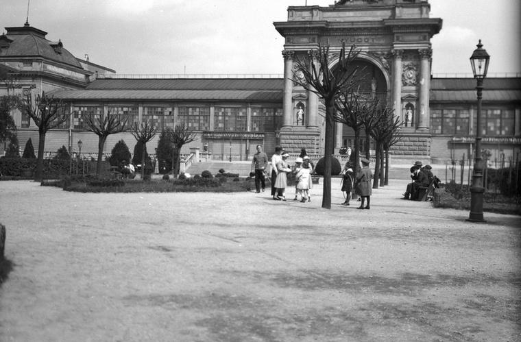 Ne csodálkozzon, ha nem ismerős önnek ez az épület: az 1885-ös Országos Általános Kiállításra épült Iparcsarnok a II