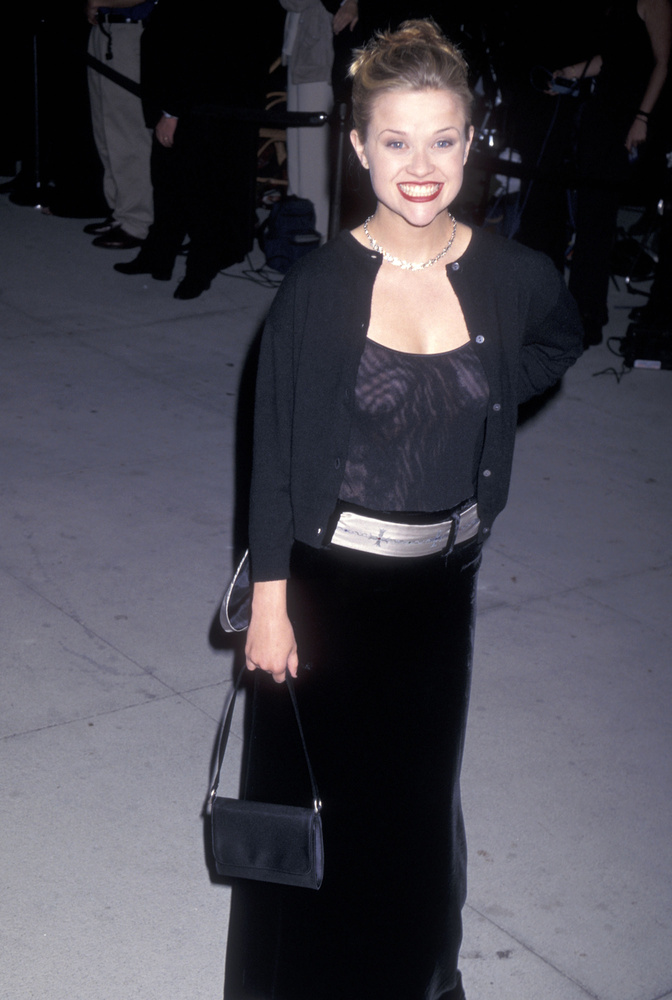 1997: átlátszó póló, fekete bársony.