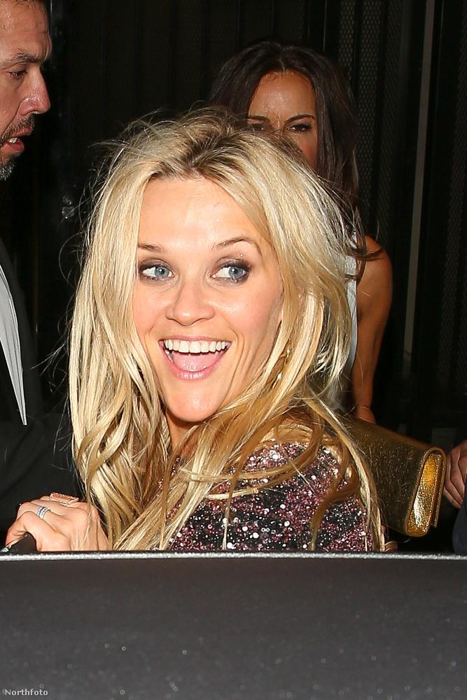 Ez itt Reese Witherspoon, aki nagyon örül annak hogy 40 éves lett