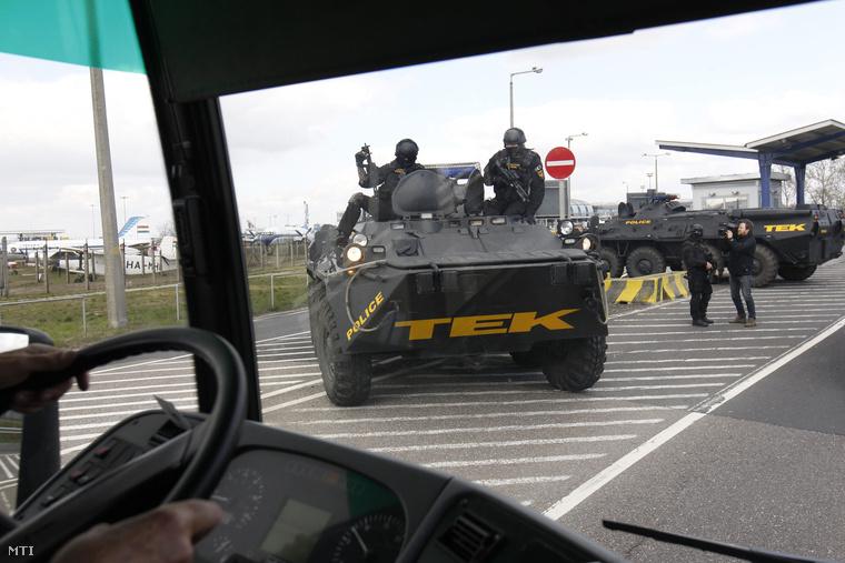 A terrorcselekmények miatt átmenetileg Magyarországon is emelték a terrorkészültségi fokozatot