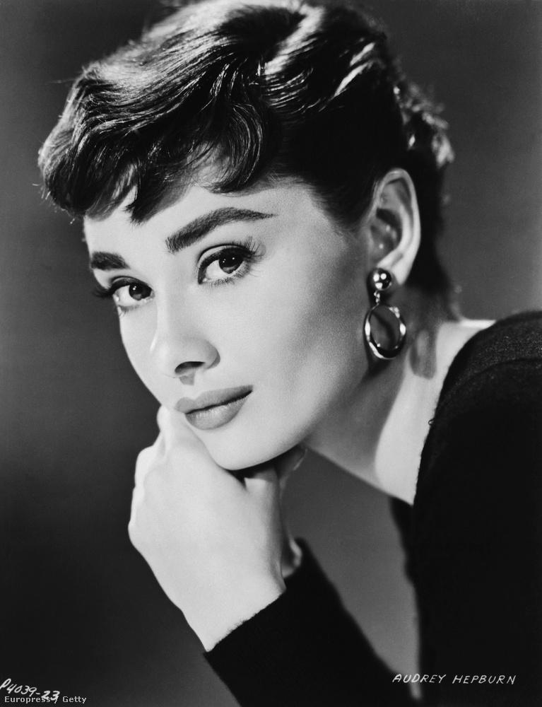 Ez a kép viszont tényleg Audrey Hepburnről készült.