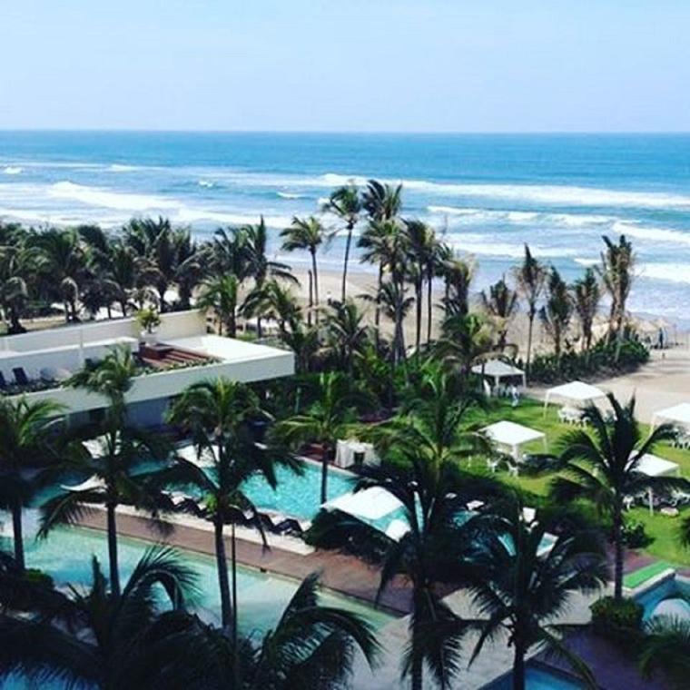 Mexikóban tartották a lagzit, ennek a ronda partnak a közelében