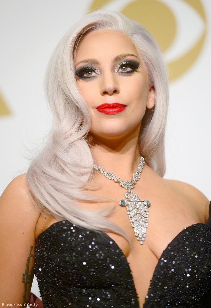 Lady Gaga egy 2014-es Vanity Fair-interjúban beszélt a legsötétebb pillanatairól