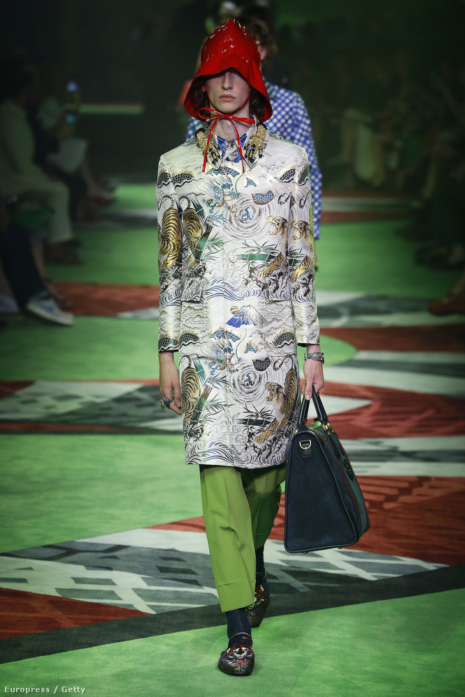 Ez a kabát Kína kultúrája előtt tiszteleg
