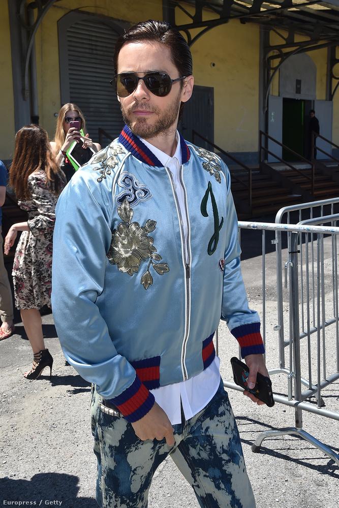 Ő például Jared Leto Oscar-díjas színész, és ez a dzsekije