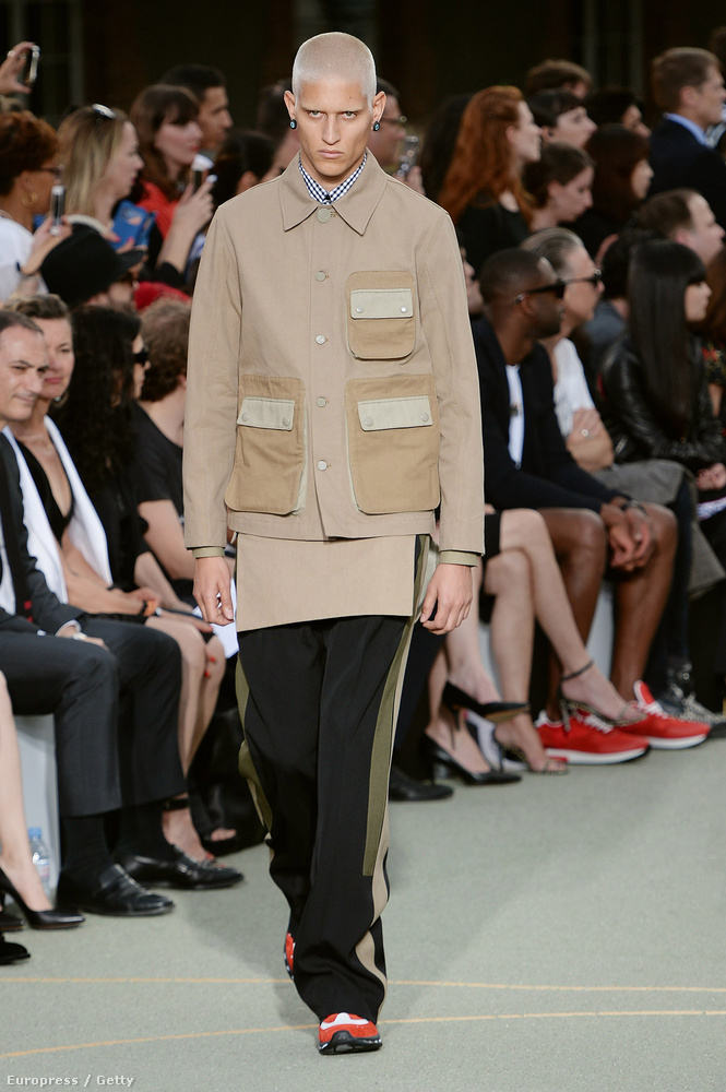 A Givenchy is ilyen zsebeket tervezett ezúttal.