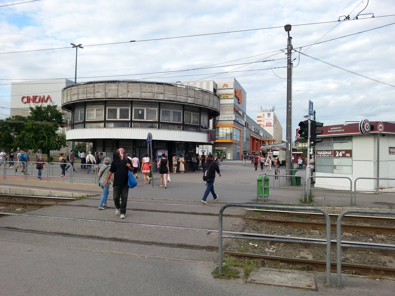 37cd93a09c Index - Urbanista - Miért reménytelenül ótvar hely az Örs vezér tere?