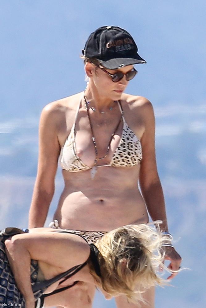 Ez itt a rögvalóság, az Oscar-díjra jelölt színésznő 58 éves bikiniteste...