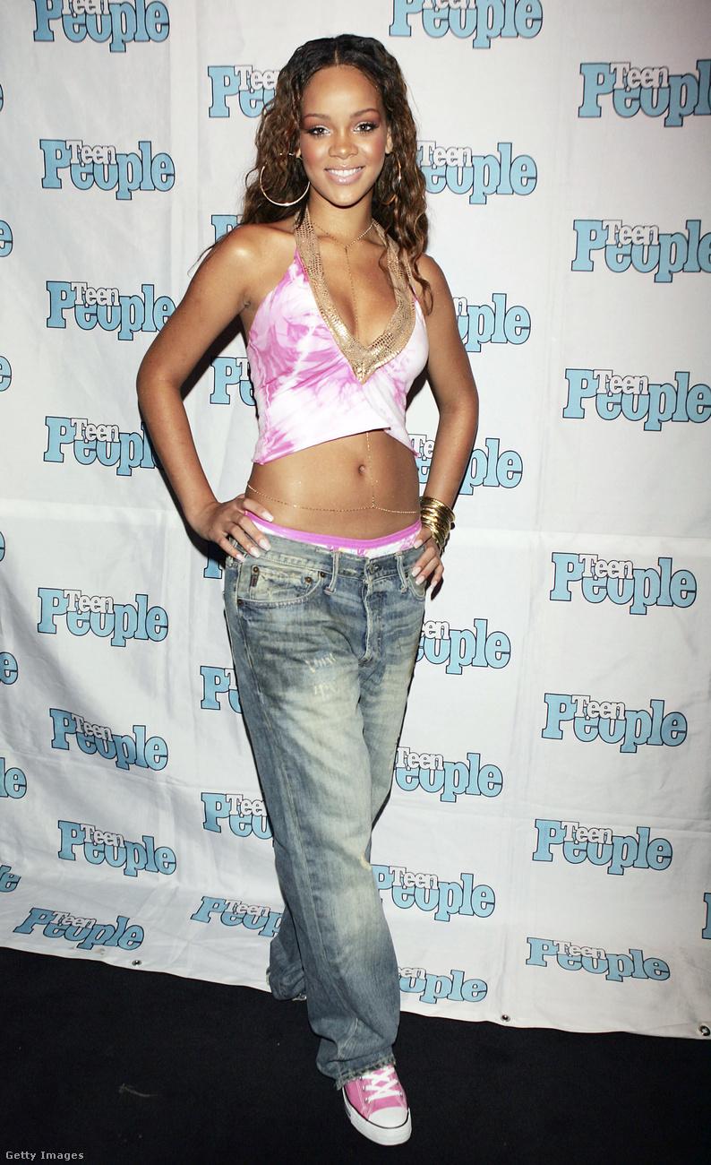 Rihanna - született Robyn Rihanna Fenty - 2005-ben robbant be a köztudatba Pon de Replay c