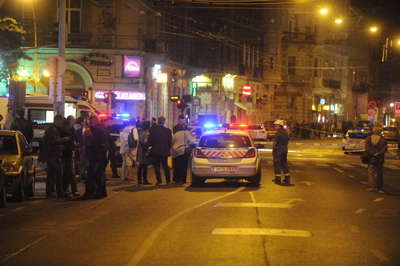 Friss hírek: Mindkét, a Teréz körúti robbantásban megsérült rendőr állapota folyamatosan javul.