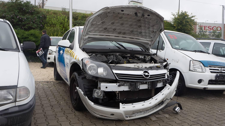 Törött autók árverése