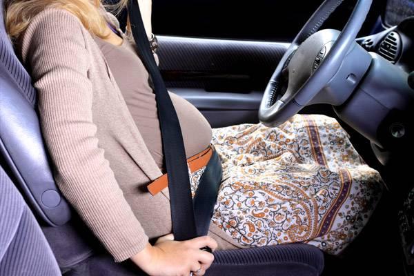 244fc96fbf Biztonsági öv terhesség alatt: így kell bekötni, hogy ne legyen baj! -  Gyerek | Femina