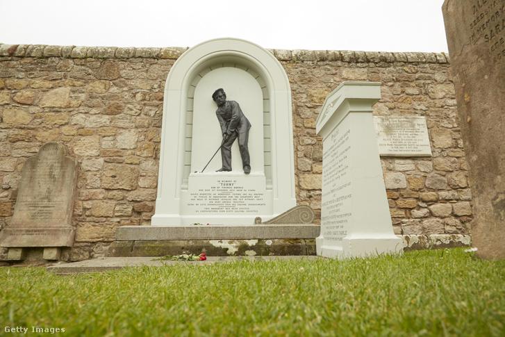 Egy brit golfozó sírhelye