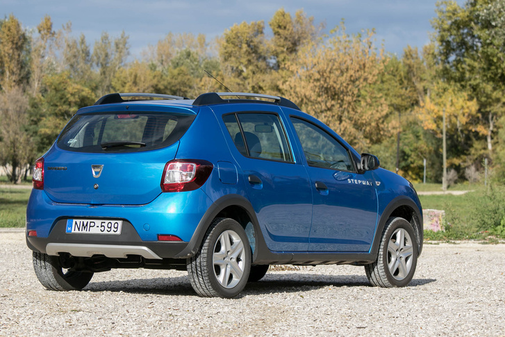 totalcar tesztek dacia sandero stepway 1 5 dci 2016. Black Bedroom Furniture Sets. Home Design Ideas