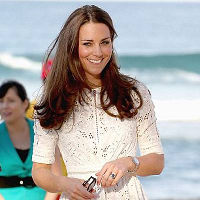 d03fb9a4ff Megakadt a szemük Katalin hercegnő testre simuló ruháján - Világsztár    Femina