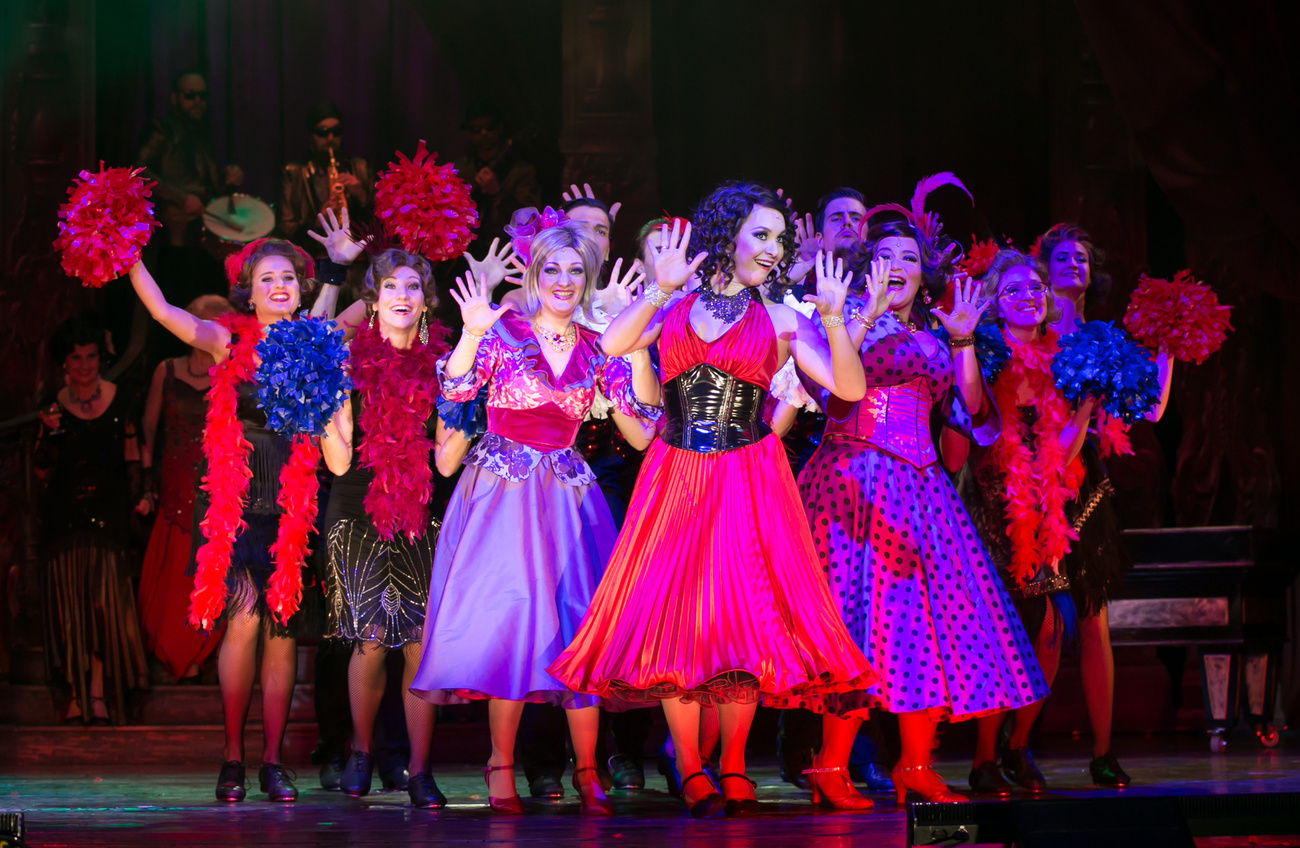 """Nyári kalandok az Operettszínházzal – Tel-Aviv-tól """"A Csodálatos Bajáig"""", Fertőrákostól a Budai …"""