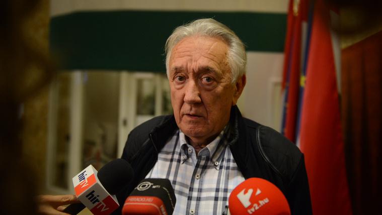 Az MSZP meghirdette a Fidesz-sajtó bojkottját, majd Kovács László az Echo TV-n elmondta, hogy ez hülyeség