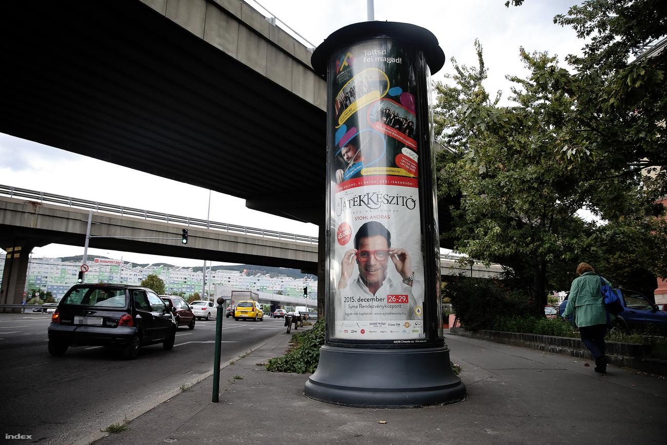Az MSZP szerződéseit is elvitte Simicska plakátcégétől a NAV