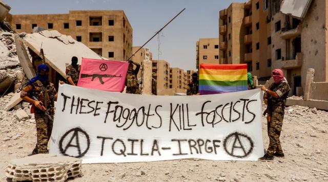 Ezek a buzik fasisztákat ölnek