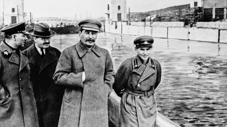 Sztálin kezdte az etnikai alapú tömeggyilkosságokat