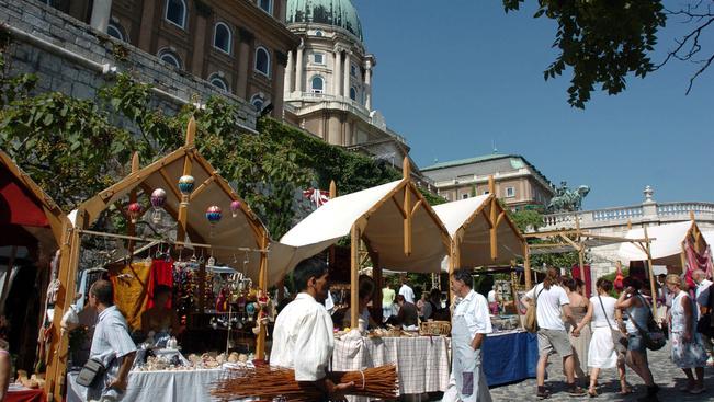Nomádok és mini Stradivari a Budai Várban