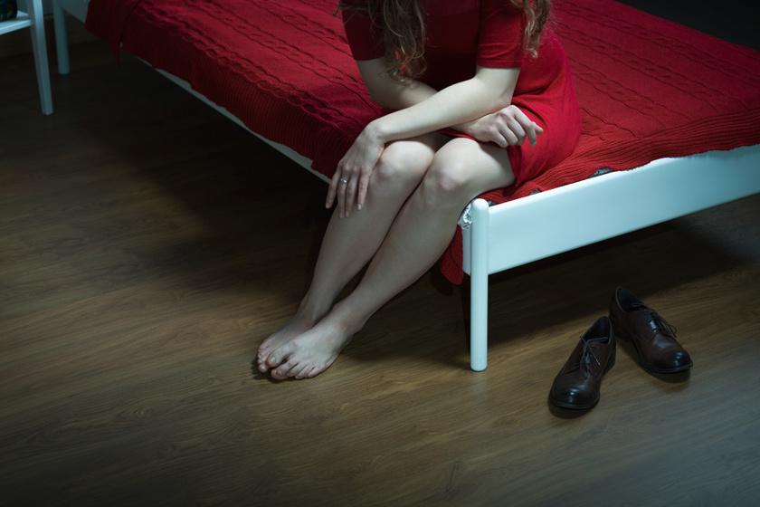 egy férfi lába fáj