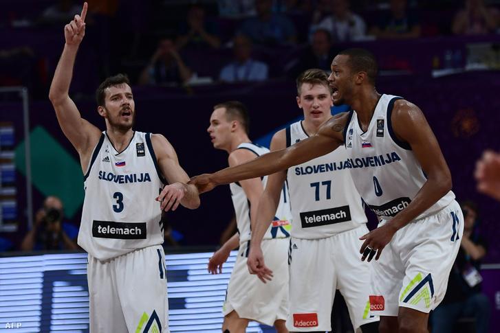 Index - Sport - NBA-s tempóval nyomták le Európát 93cf898f49