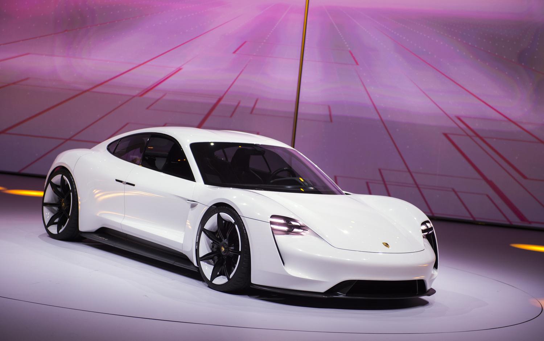 A Porsche piacra dobja a Tesla-gyilkost