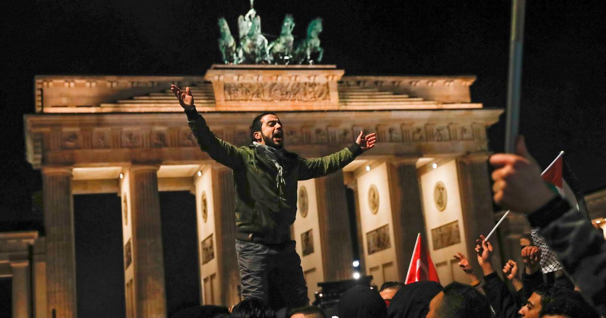 Izraeli zászlókat égettek Berlinben