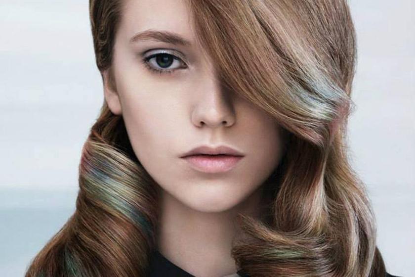 40372270d7 Visszatér a divatba a 20 éve elfeledett frizura: képeken a befelé szárított  hajformák - Szépség és divat | Femina
