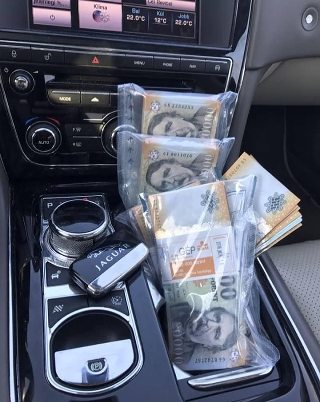 milliomosok keresnek pénzt)
