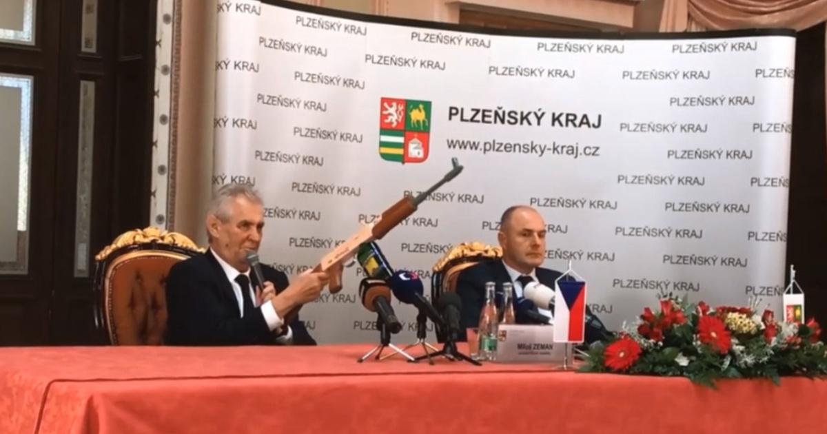 Illiberális píszígyűlölőt vagy unalmas nyugatost akarnak a csehek?