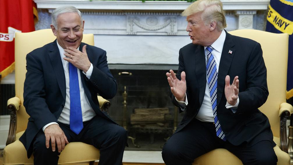 Trump nyújt mentőövet a korrupciós ügybe keveredett Netanjahunak